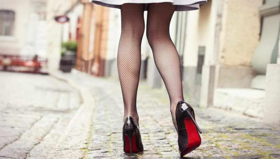 женские ножки на высоком каблуке
