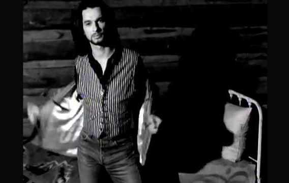 «I Feel You» – Depeche Mode