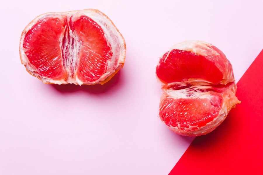 два грейпфрута