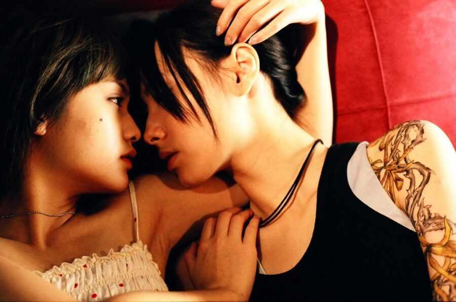 кадр из фильма «Паучьи лилии» (2007)
