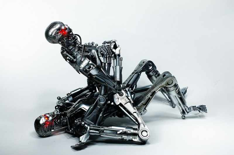 два робота занимаются сексом