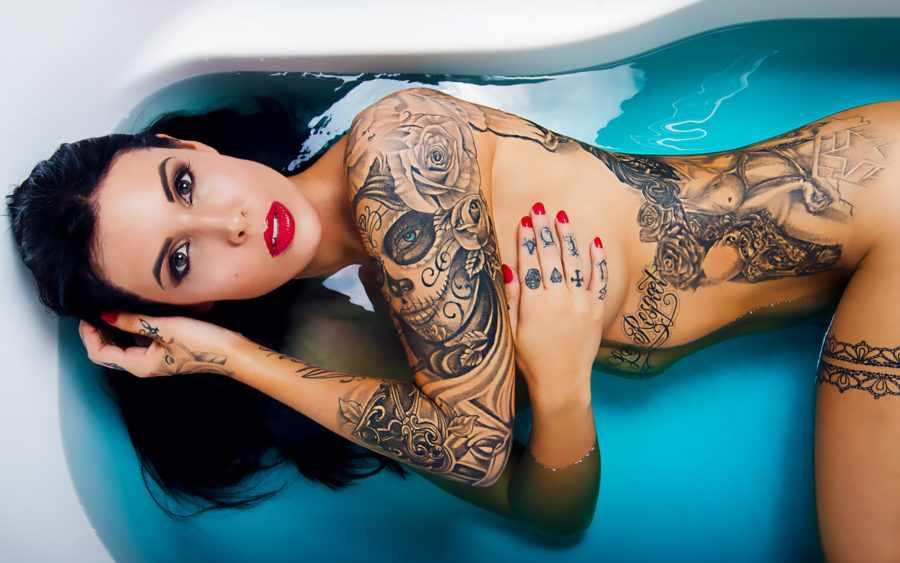 Женщины с татуировками