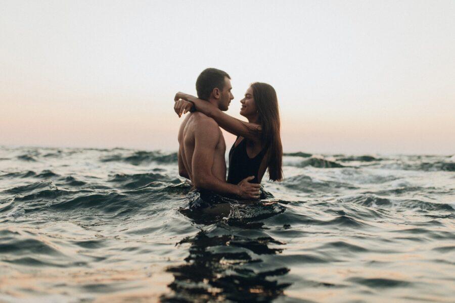 пара в воде