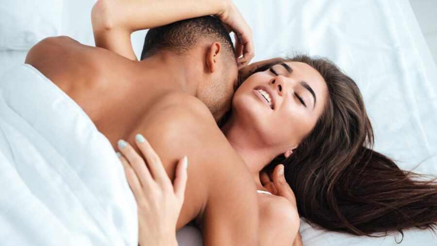 поцелуй в шею 2