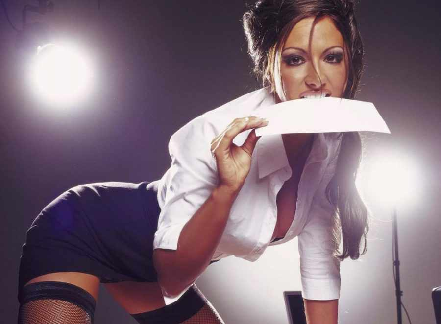 Что делать с сексуальной секретаршей