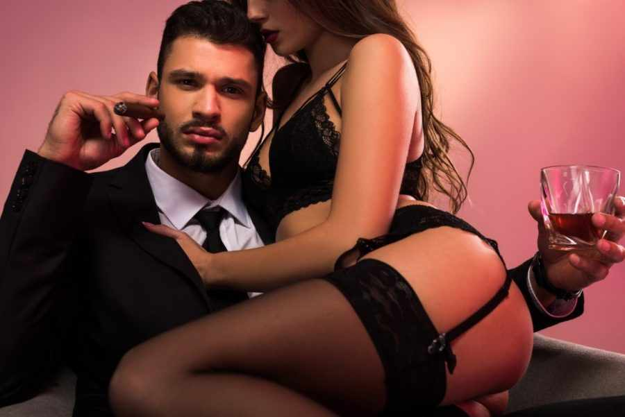 Как мужчины манипулируют сексом