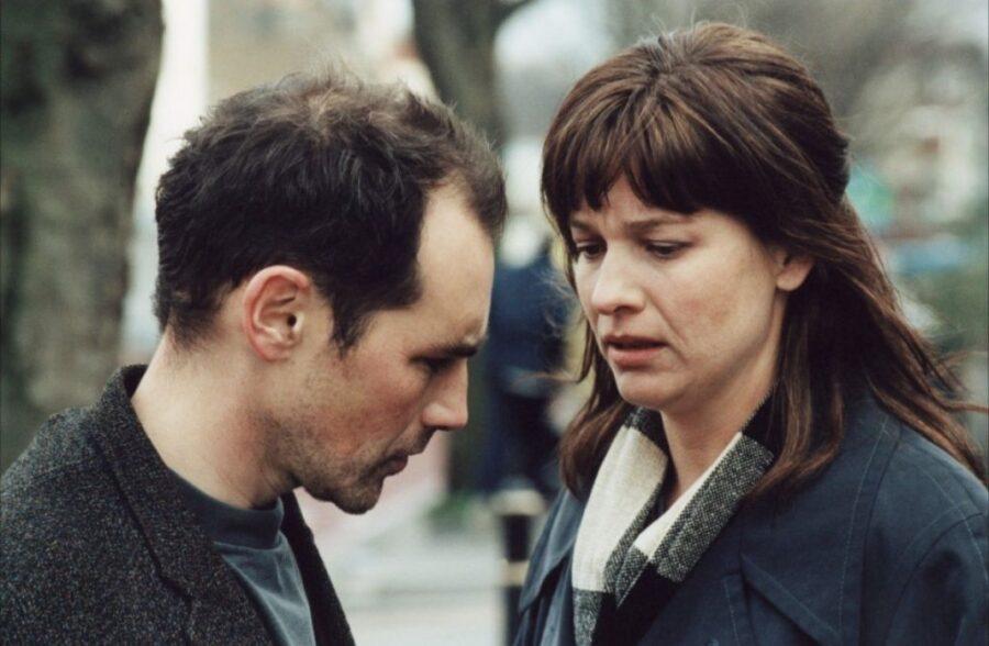Интим (2001).