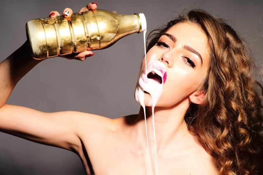 глотать сперму во время минета