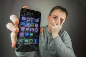 Разбился смартфон
