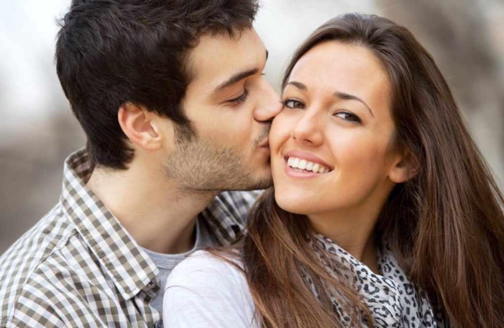 Дружеский поцелуй
