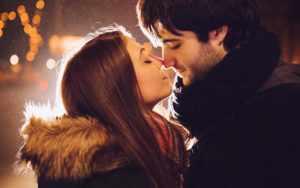 Как понять, что партнер хочет поцеловать