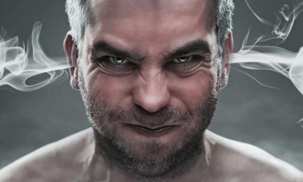 Гнев у мужчины после расставания