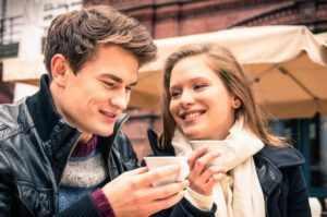 Как начать разговор с девушкой