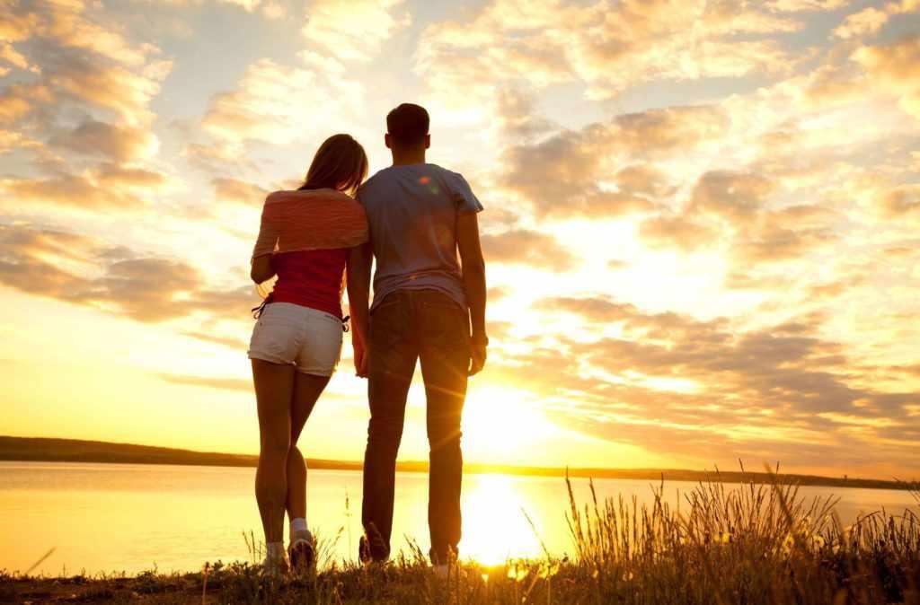 Основные способы доказать парню, что ты его любишь