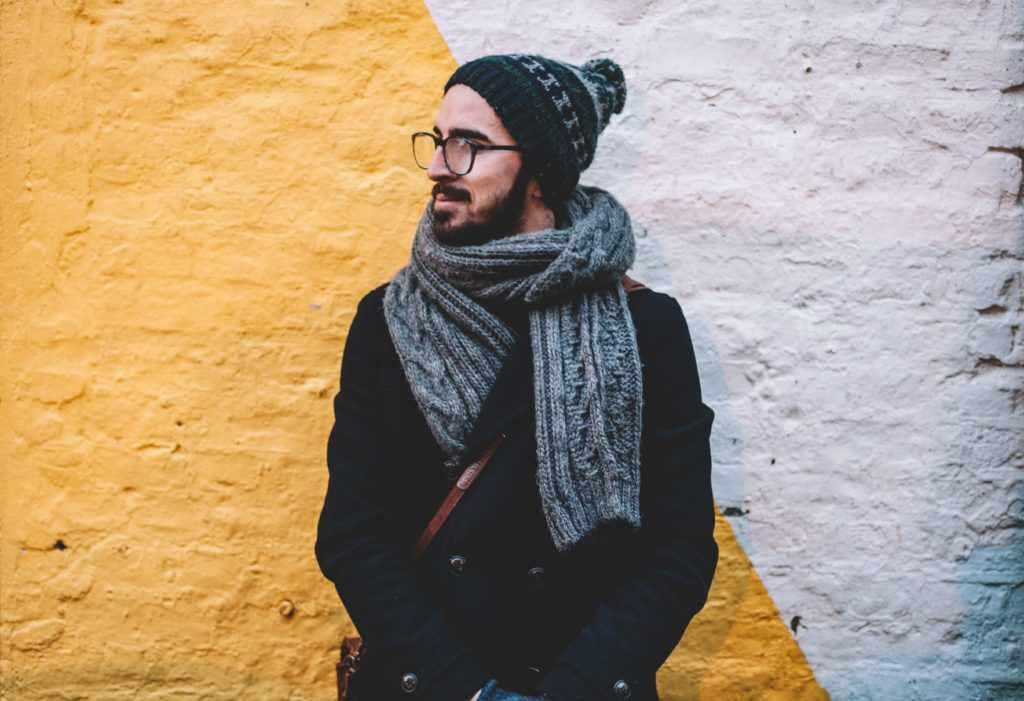 Связать парню шарф в подарок