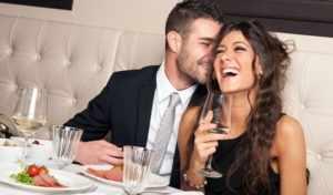 В ресторане с девушкой