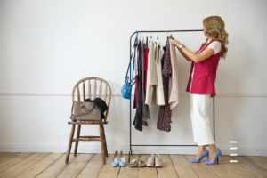 Перебирать гардероб