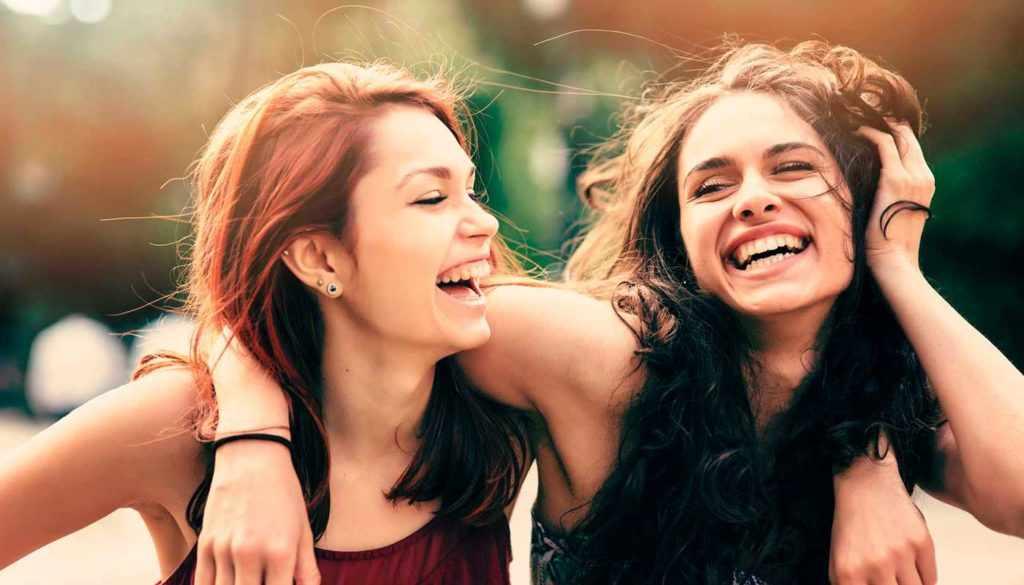 Смех помогает пережить расставание
