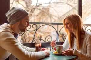 Как правильно начать разговор с девушкой